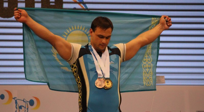 Ilyin Breaks Record to Become Four-Time Weightlifting ...